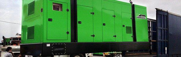 dos grupos electrogéneos um novo modelo de carroceria para armazenar grandes equipamentos