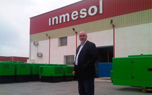 O Sr. Nelson Gonzaga, gerente da NGRC, durante a visita que realizou no ano passado à fábrica da Inmesol