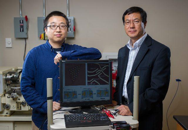 Os pesquisadores do Georgia Tech Wenzhuo Wu e Zhong Lin Wang