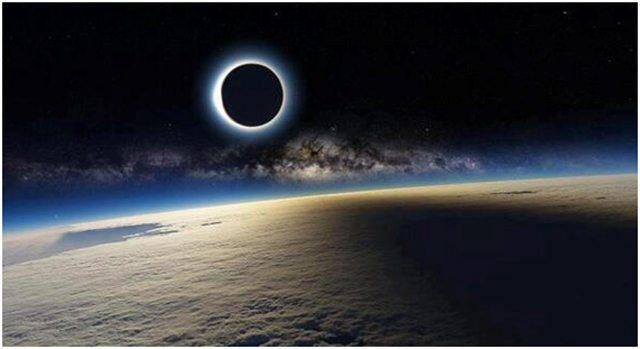 Eclipse solar visto da Estação Espacial Internacional