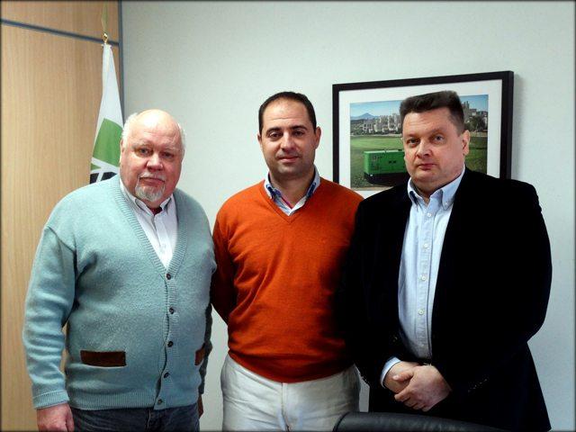 Hakan Ericsson, engenheiro de Inmesol; Jose Luis Solano Pastor, chefe de Produção e do Dpto. de I+D+i de Inmesol, e Jari Korpela, diretor de Northern Automation.