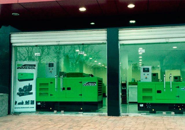 Grupos electrogéneos Inmesol na montra das novas instalações do nosso distribuidor