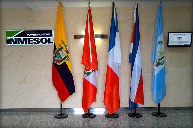 Bandeiras dos países visitantes