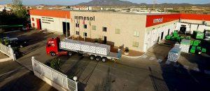 Camião a carregar 6 geradores modelo IIRN-165 com destino a França