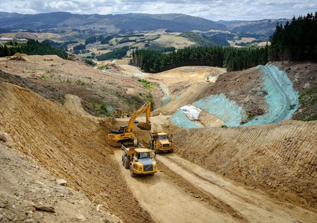 Movimentos de terras na construção da autoestrada Gully