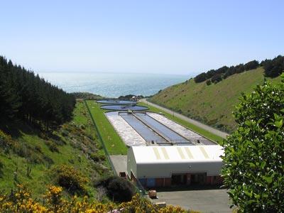 Instalações da estação de tratamento de águas residuais de Porirua. Imagem tirada do site do Conselho de Porirua