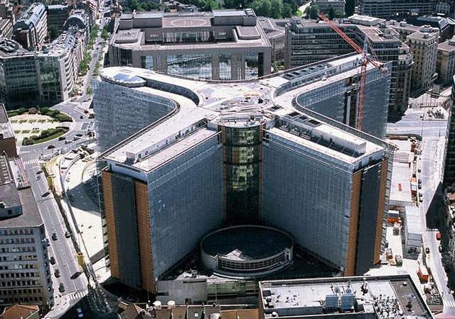Imagem pertencente à União Europeia. Vista aérea do edifício Berlaymont